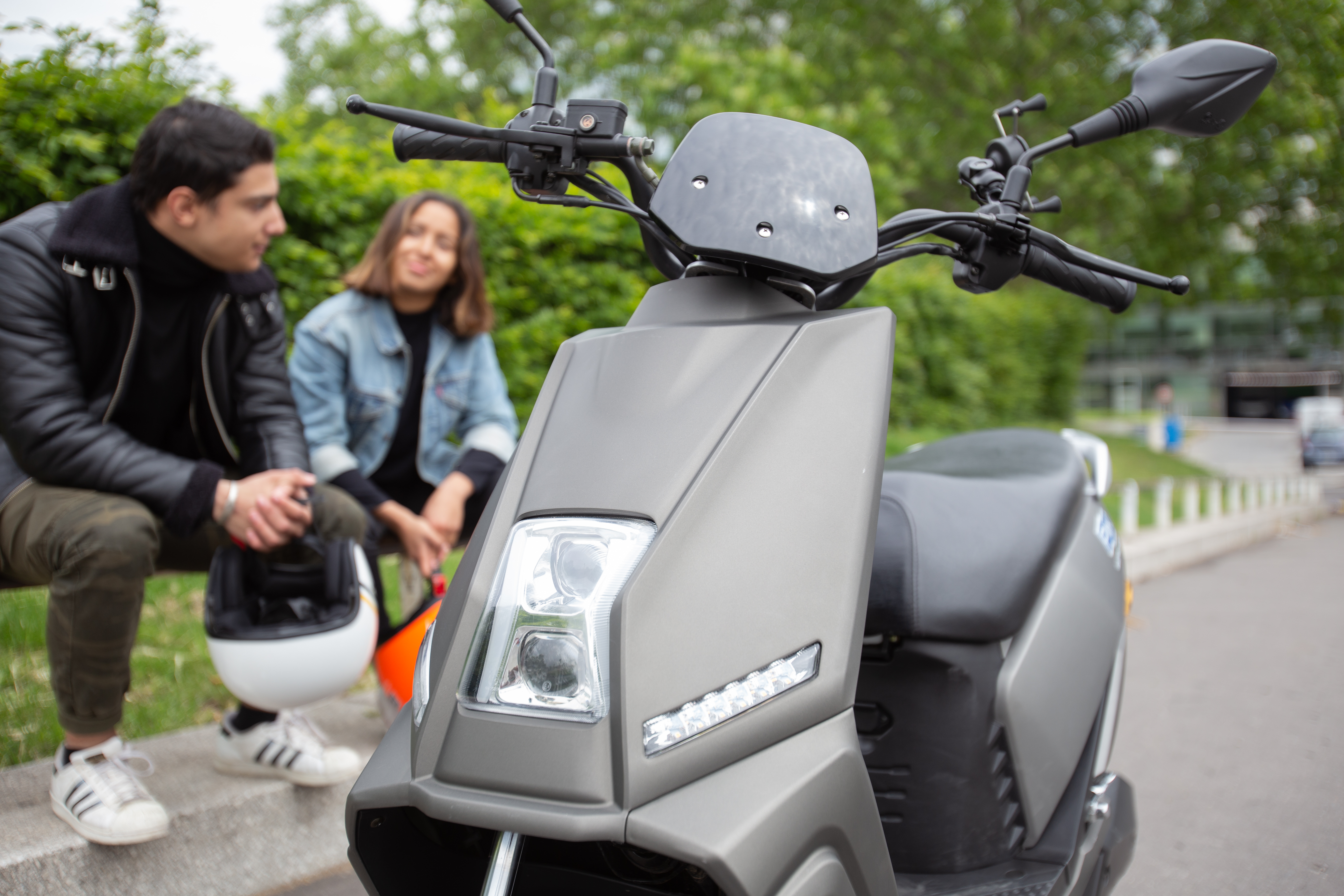Image à la une – Le PinkMe : le scooter électrique du déconfinement