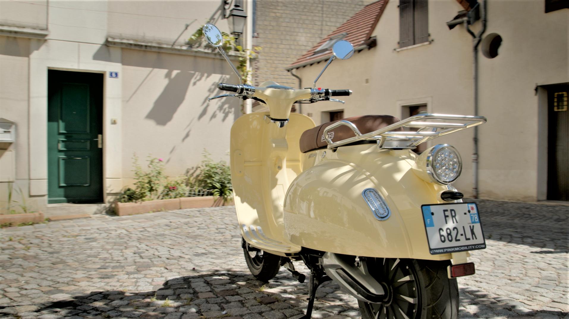 Image à la une – Le Repaire des Motards – Scooter électrique Pink Style Plus UN scooter homologué 125cc